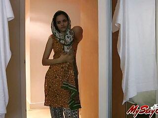 मेमोरियल हिंदी सेक्सी फुल मूवी एचडी में पर चुब्बी चढ़ी
