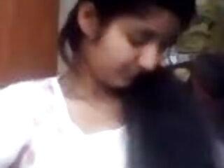 एवी फॉक्स हिंदी सेक्सी एचडी मूवी उसके वेबकैम पर हस्तमैथुन करता है