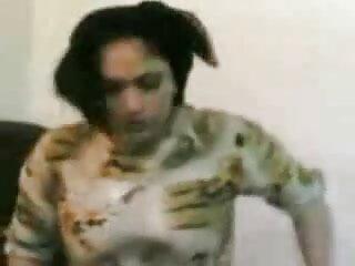 स्टूडियो में देहाती सेक्सी मूवी एचडी पोज देती टीन गर्ल - 3 डी पोर्न बैकस्टेज