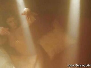 सनी लियोन मिस नवंबर हिंदी फिल्म सेक्सी एचडी में - ट्विस्टिस ट्रीट ऑफ द ईयर हैं