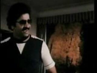 विशाल hooters सेक्सी मूवी हिंदी में फुल एचडी के साथ आबनूस आकर्षक एक बड़ा काला मुर्गा बेकार है