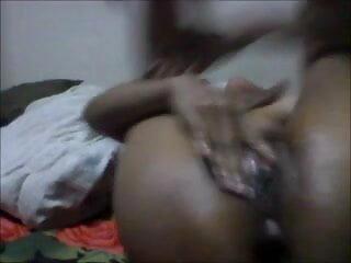 काली सेक्सी हिंदी वीडियो एचडी मूवी लड़की बड़े सेक्स टॉय खेलने से पहले सफेद समलैंगिक बिल्ली को खाना पसंद करती है