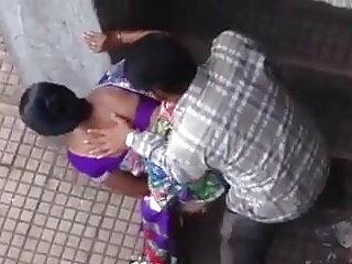 छोटे स्तन के साथ कचरा वेश्या उसके सभी छेद सोफे पर मुर्गा के साथ भरा हिंदी सेक्सी एचडी वीडियो मूवी है