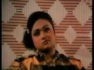 लेटेक्स जूते बकवास और चेहरे में हिंदी फिल्म सेक्सी एचडी में गैंगबैंग गोरा