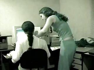 मस्कुलर डाइक वर्क आउट के दौरान स्ट्रैप के साथ विनम्र लड़की हिंदी सेक्सी वीडियो मूवी एचडी को चोदता है