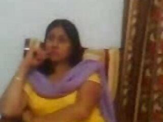 वह हिंदी सेक्सी एचडी मूवी सिर देना और मुर्गा चलाना पसंद करती है