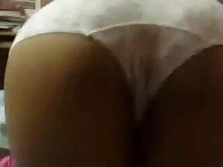 श्यामला ऊपर झुकता है और हिंदी सेक्सी वीडियो मूवी एचडी बाहर बड़े मुर्गा पर लोगों को चूसता है