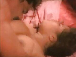 किशोर # हिंदी सेक्सी एचडी मूवी 16