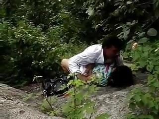 सभी हिंदी में सेक्सी मूवी एचडी ने बीबीसी के लिए कपड़े पहने