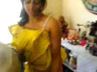 तीन महिलाओं गड़बड़ और एक सेक्सी एचडी मूवी हिंदी में नंगा नाच पर cummed