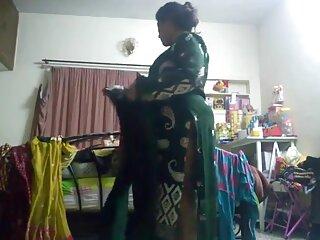 फिट लड़की ने एक डिल्डो को हिंदी में सेक्सी मूवी एचडी अपनी चूत पर टिकाया