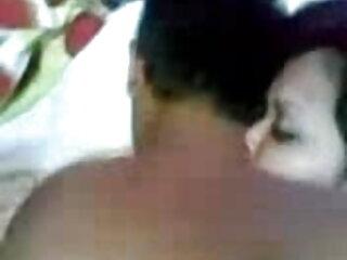 घास में गर्म स्तन मूवी एचडी सेक्सी