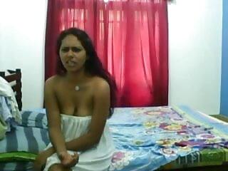 बालों वाली एचडी सेक्सी मूवी हिंदी मान्या के पास अच्छा समय है
