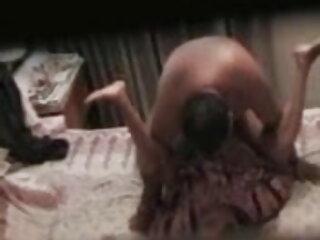 क्यूट जुज़ाना पूल में न्यूड होकर स्विमिंग हिंदी फिल्म सेक्सी एचडी में कर रही हैं